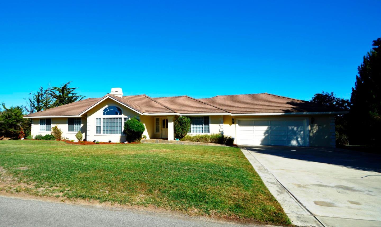 10231 Golden Meadow Cir, Salinas, CA 93907