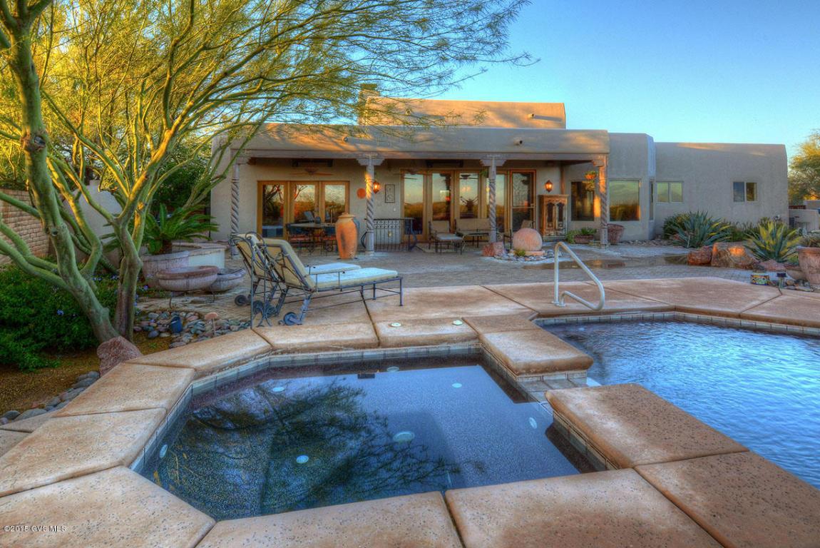 1065 E Josephine Saddle Place, Green Valley, AZ 85614