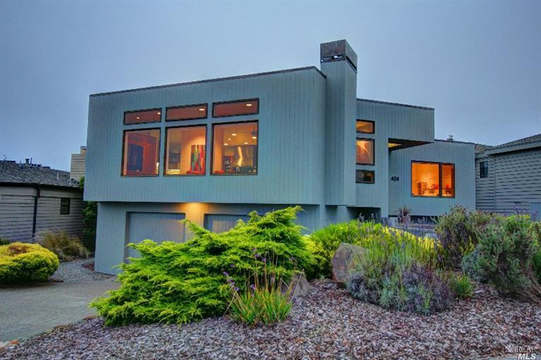 424 Loon Court, Bodega Bay, CA 94923