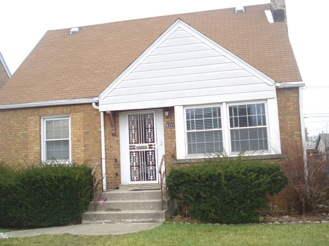 9355 South Peoria Street, Chicago, IL 60620