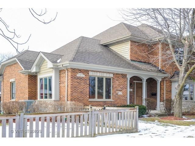 924 Caroline Court, Deerfield, IL 60015