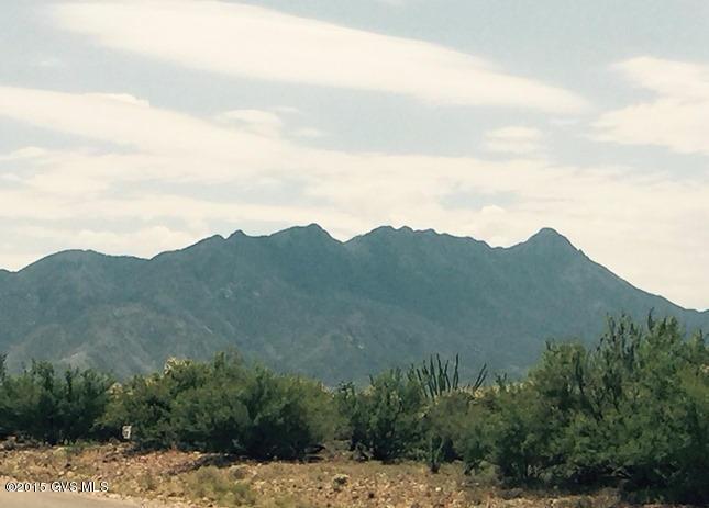 657 E Canyon Rock Road, Green Valley, AZ 85614
