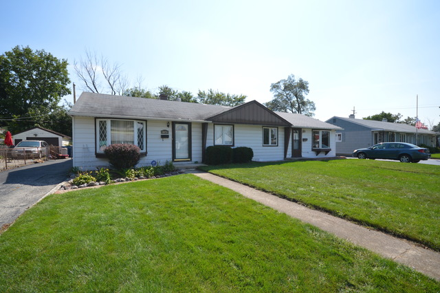 8873 South Corcoran Road, Hometown, IL 60456