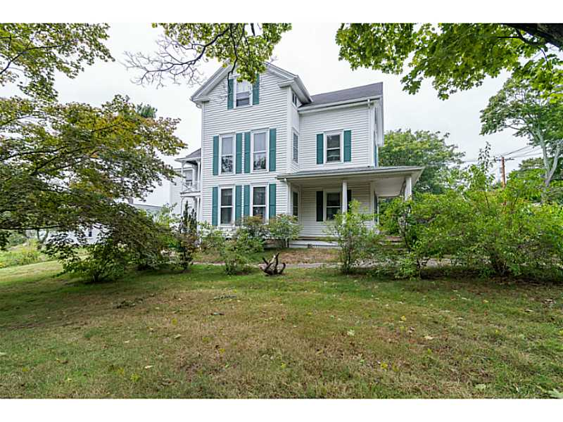 20 New Meadow Rd, Barrington, RI 02806