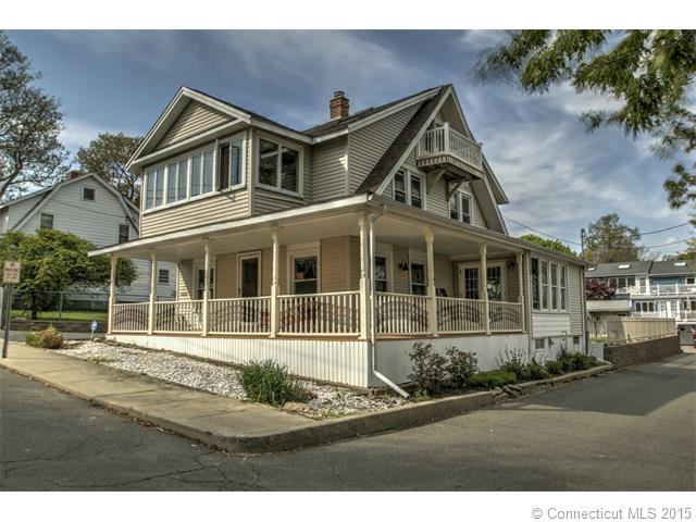 7  Scott St, West Haven, CT 06516