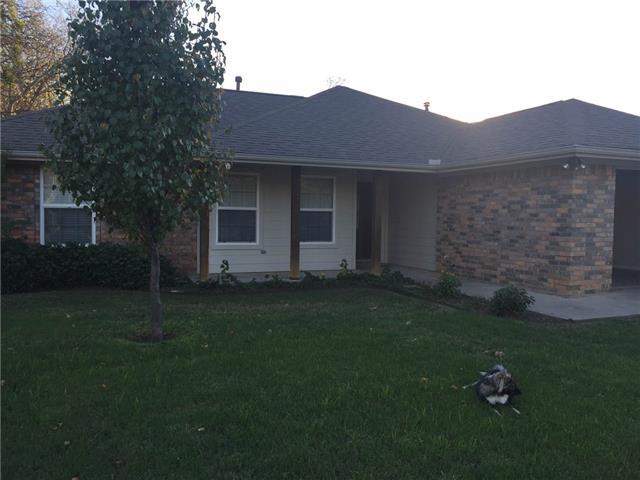 417 W Lake Street, Krum, TX 76249