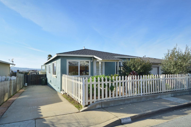 1721 Luxton St, Seaside, CA 93955