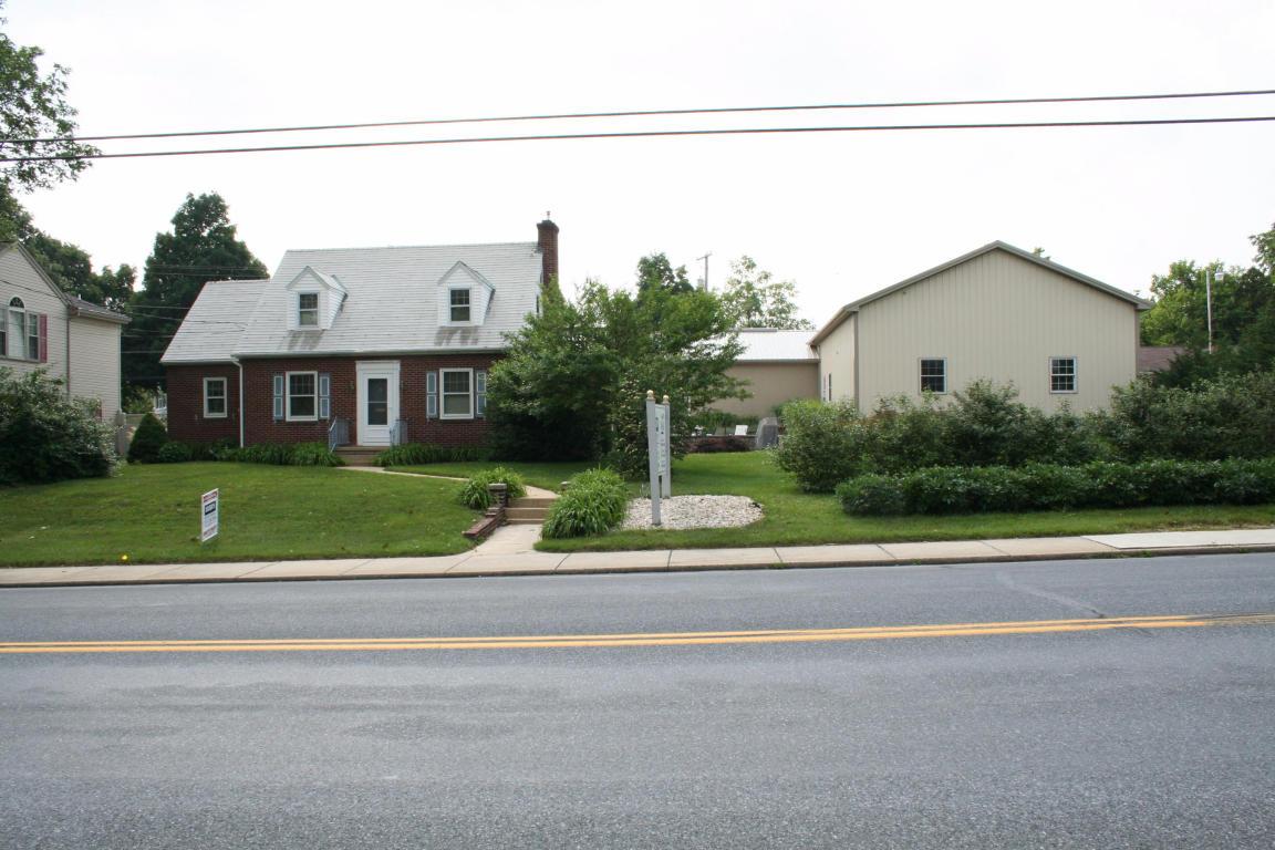 204 S 7Th Street, Akron, PA 17501