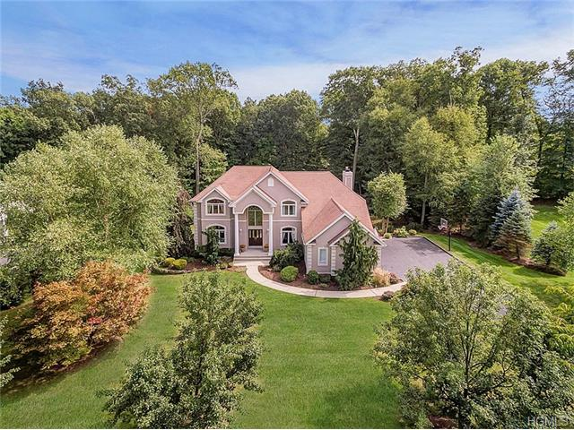 6 Graniks Way, Montebello, NY 10901