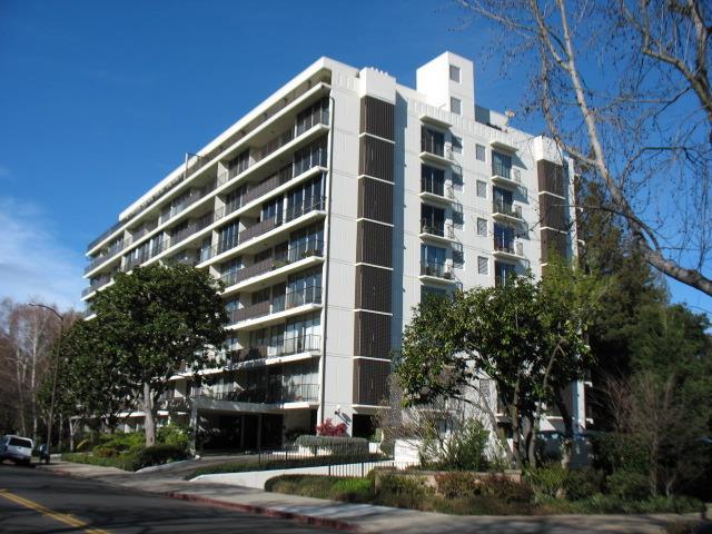 1330 University Dr 11, Menlo Park, CA 94025