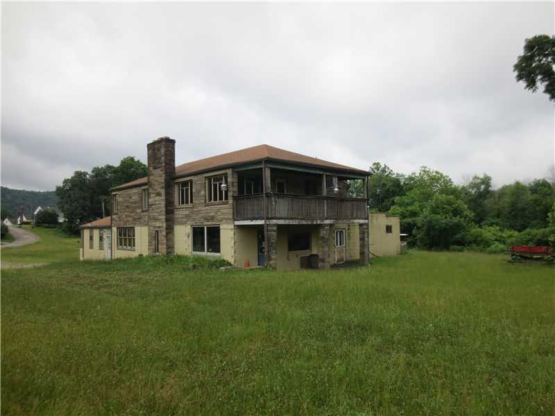 Ohioview Dr, Industry, PA 15052