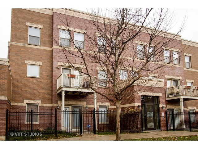 825 East 41st Street, Chicago, IL 60653