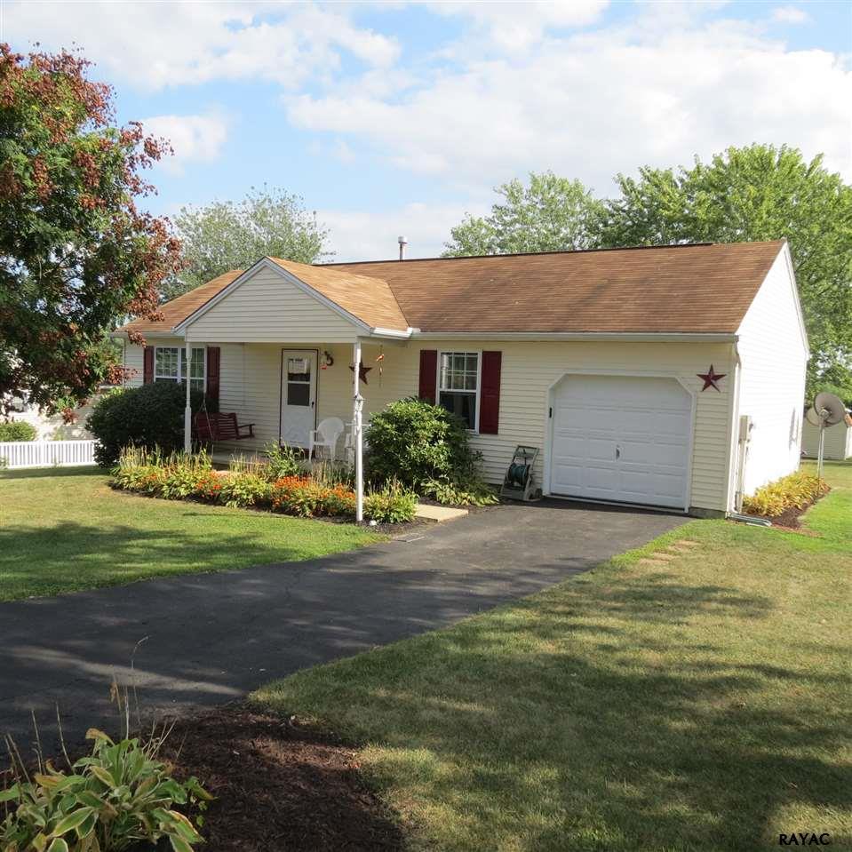 17 Sawgrass Avenue, Felton, PA 17322