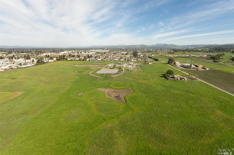3367 Petaluma Hill Rd Drive, Santa Rosa, CA 95404