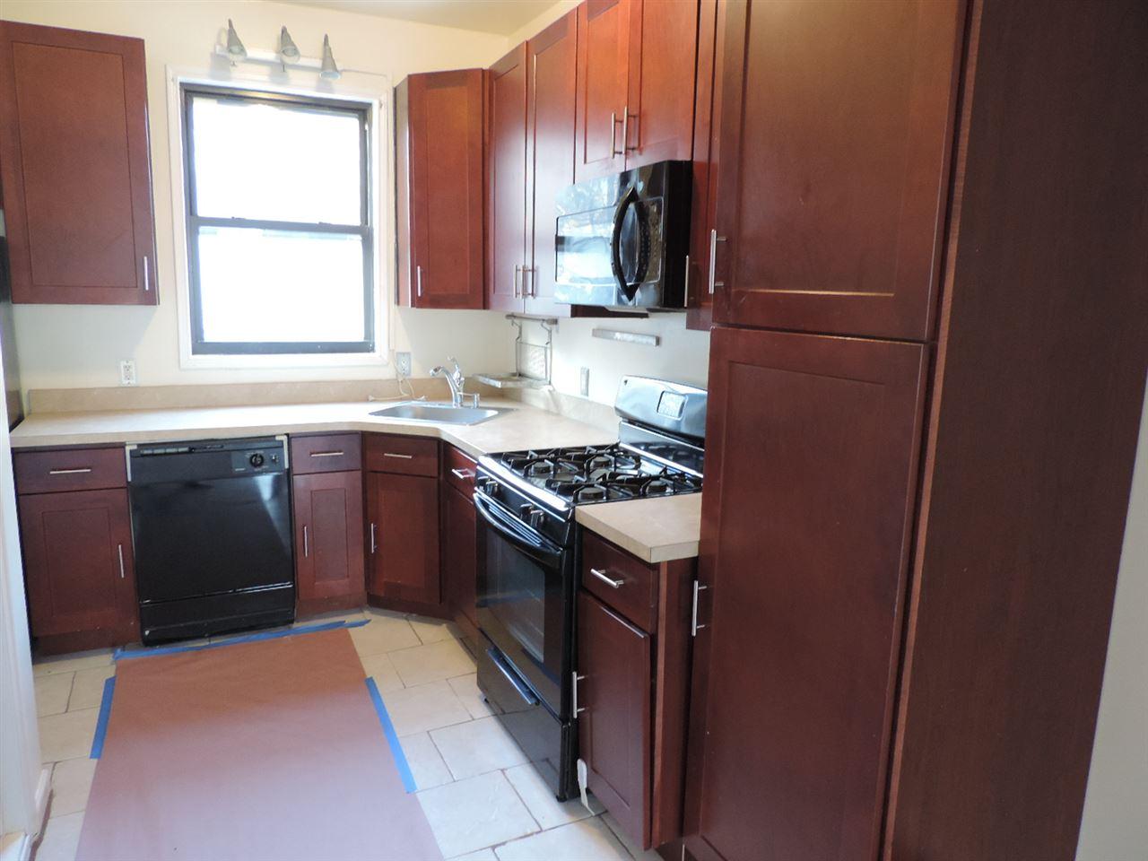 689 Bergen Ave, Jersey City, NJ 07304