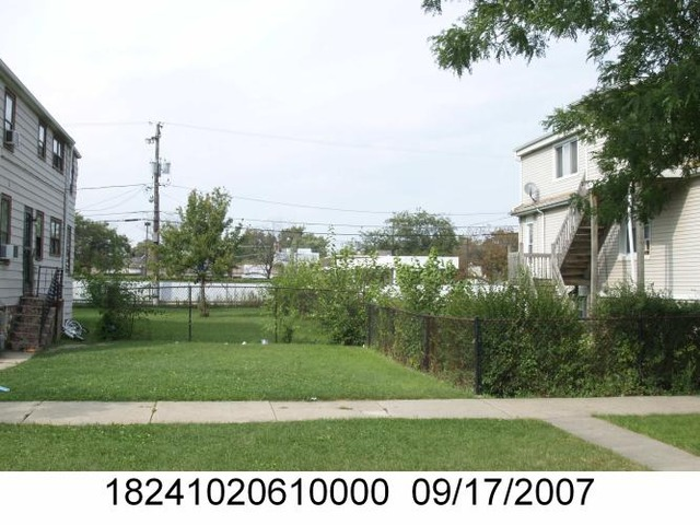 7608 West 63rd Place, Summit, IL 60501