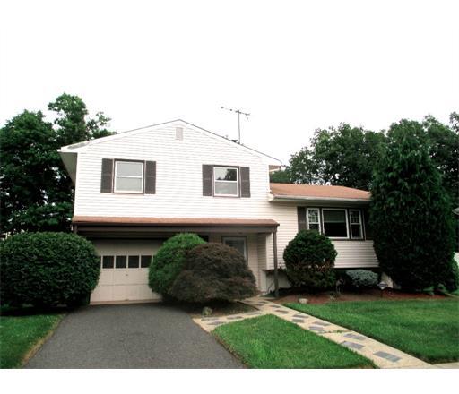 54 Karen Place, Edison Twp., NJ 08817