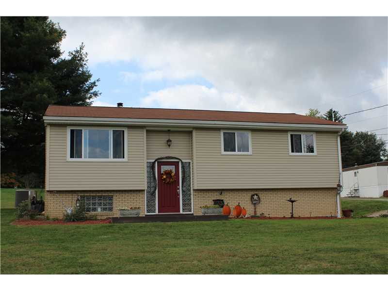 111 Evergreen Second St, Mapletown, PA 15338
