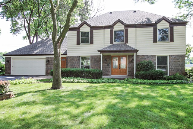 1 Red Haw Road, Rolling Meadows, IL 60008