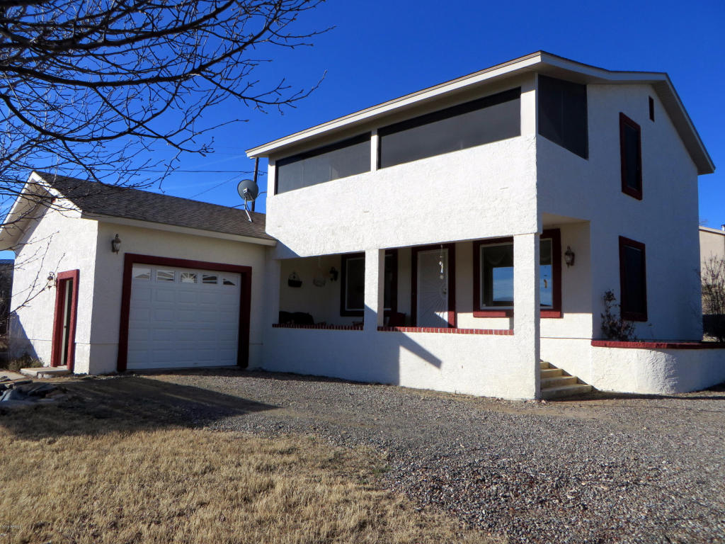 18440 S Peeples Valley Road, Peeples Valley, AZ 86332