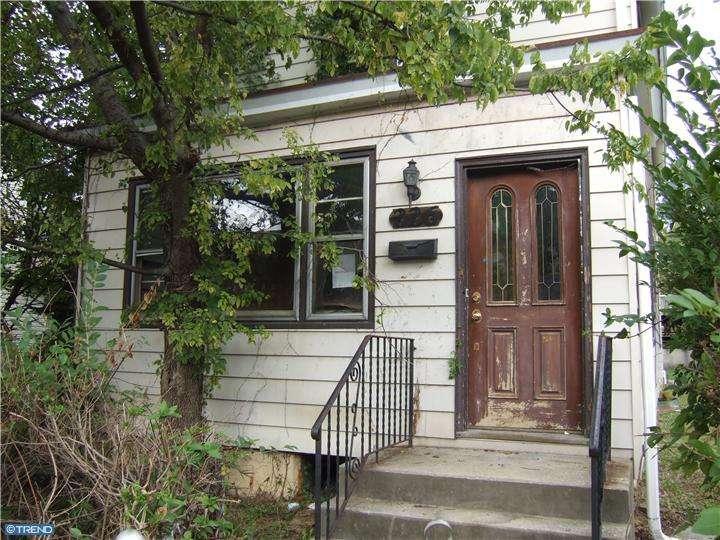226 Randall St, Crum-lynne, PA 19022