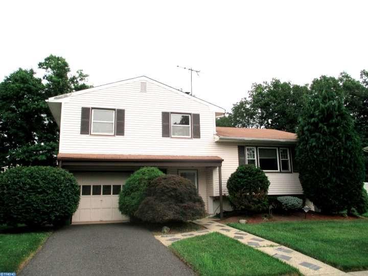 54 Karen Place, Edison, NJ 08820