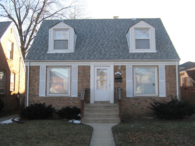 1017 Marshall Avenue, Bellwood, IL 60104