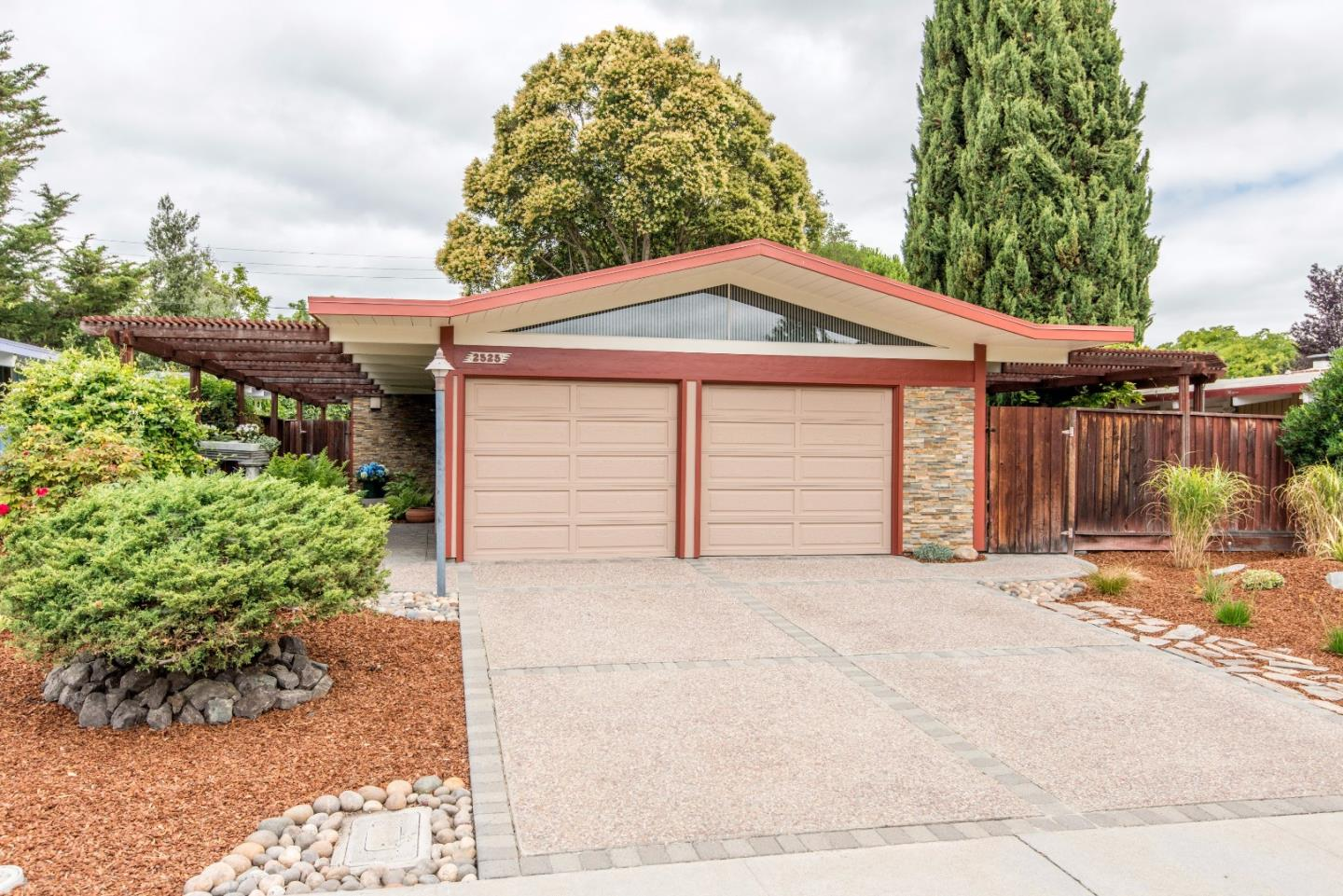 2525 Nedson Ct, Mountain View, CA 94043