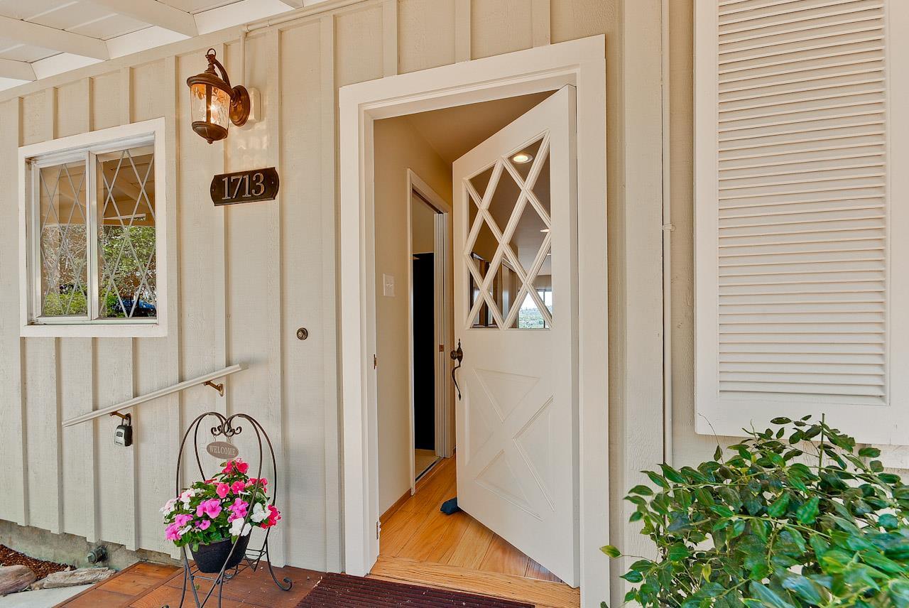 1713 Terrace Dr, Belmont, CA 94002