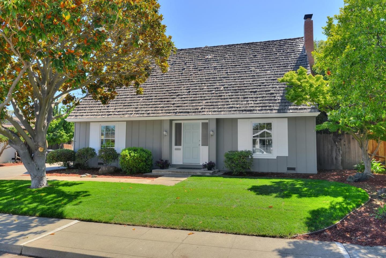 2541 Fairbrook Dr, Mountain View, CA 94040