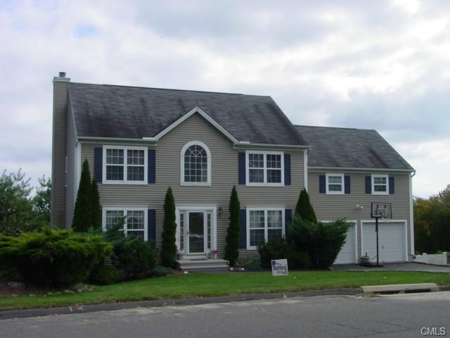 13  General Wooster Rd, Derby, CT 06418