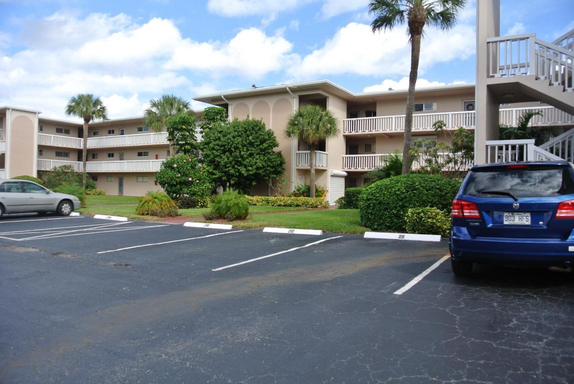 2856 Garden Drive S, Lake Worth, FL 33461