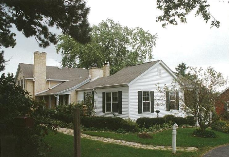 1085  Pleasant Valley Rd, Jackson, WI 53095