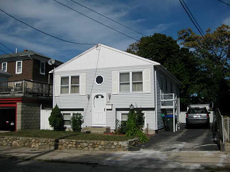 209 Salina St, Providence, RI 02908