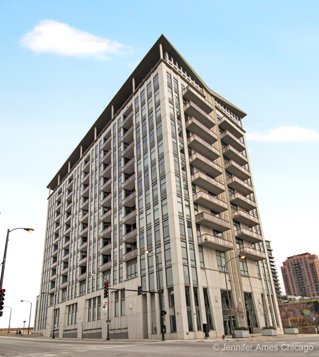 740 West Fulton Street, Chicago, IL 60661