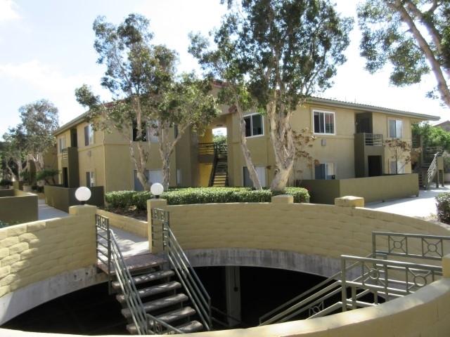 7565  Charmant Dr  605, San Diego, CA 92122