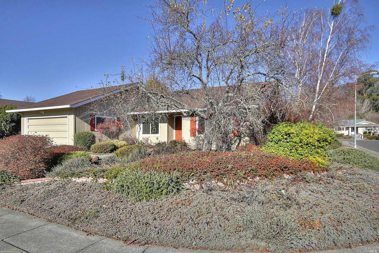 8902 Acorn Lane, Santa Rosa, CA 95409