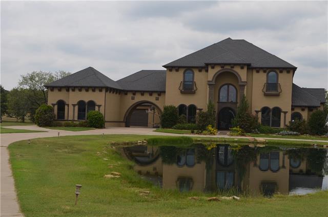8000  Muscadine Court, Burleson, TX 76028
