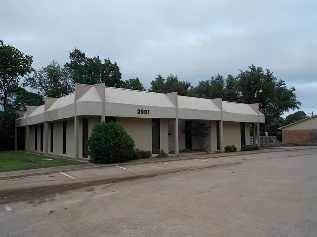 3901 W Pioneer Parkway, Arlington, TX 76013