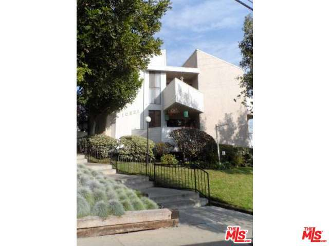 10521 National, Los Angeles, CA 90034