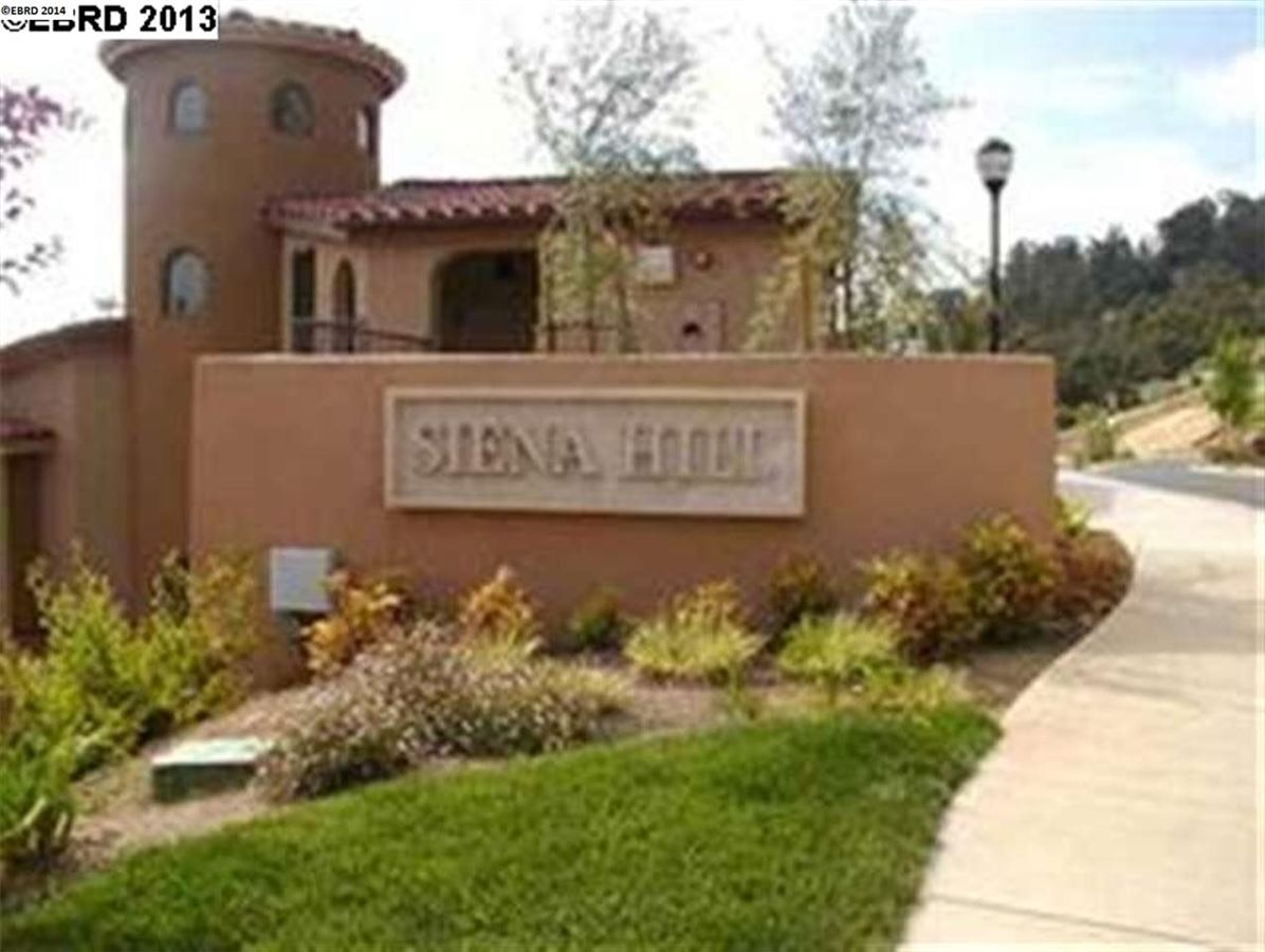 60 Siena, Oakland, CA 94605