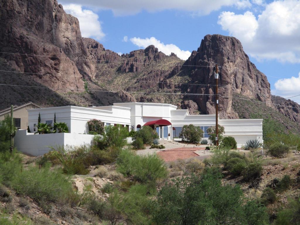 2561 N Prospectors Road, Apache Junction, AZ 85119