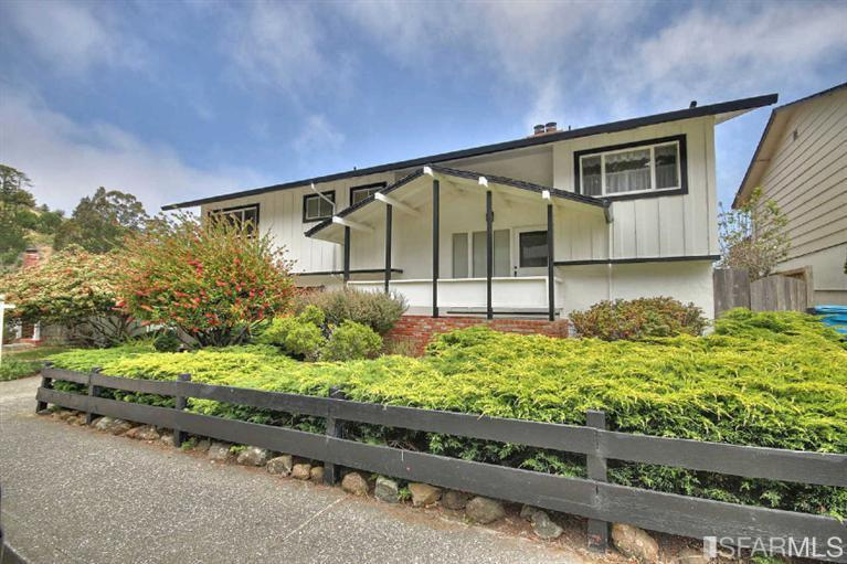 19 Spruce Court, Pacifica, CA 94044