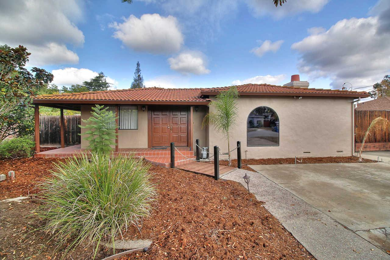 18613 McCoy Ave, Saratoga, CA 95070