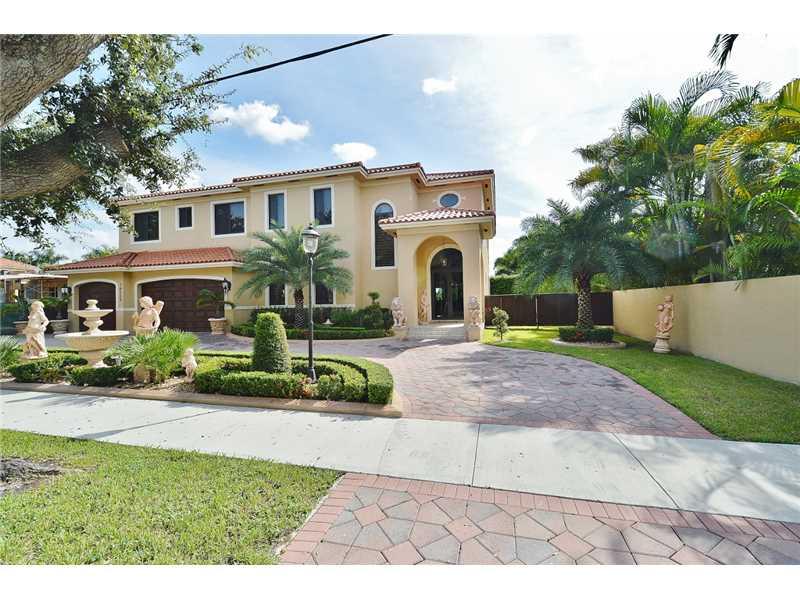 16225 NW 82 Ave, Miami Lakes, FL 33016