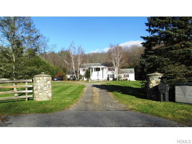 98 Canopus Hollow Road, Putnam Valley, NY 10579