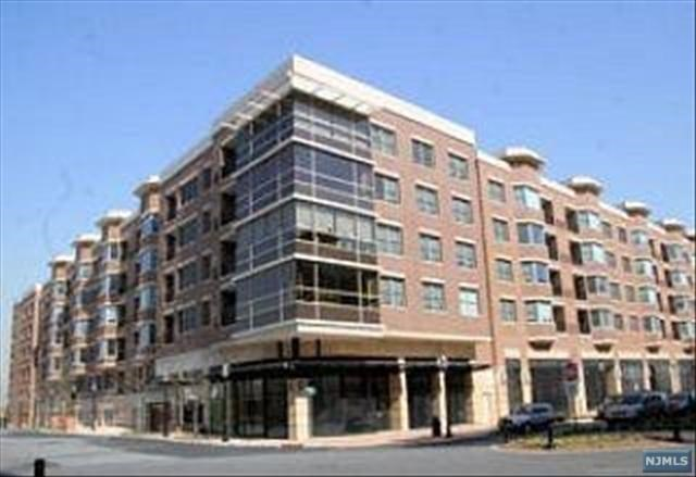 20 Ave At Port Imperial, West New York, NJ 07093