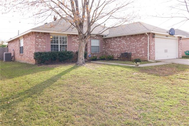 8305  Clearbrook Drive, Fort Worth, TX 76123