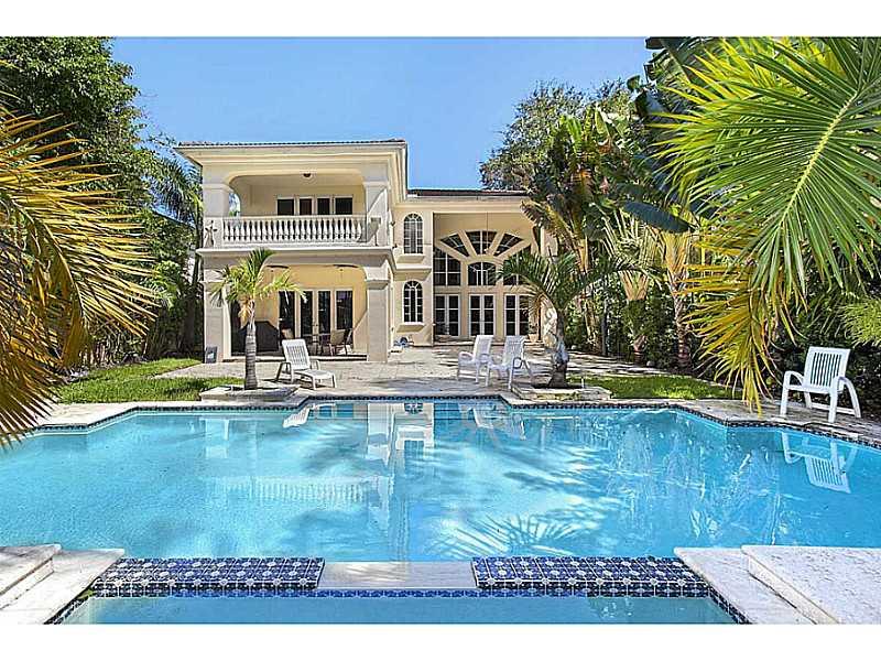 4900  Pine Tree Dr, Miami Beach, FL 33140