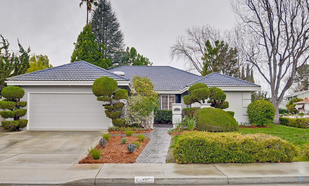 417 Pin Oak Dr, Sunnyvale, CA 94086